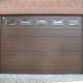 RG17 – Werne – Hörmann Sectionaltor LPU42 M-Sicke, Decograin, Dark Oak, mit Sunrise Verglasung